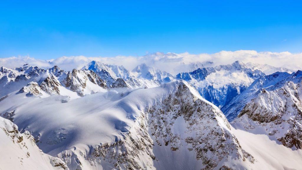 Les Alpes sous la neige