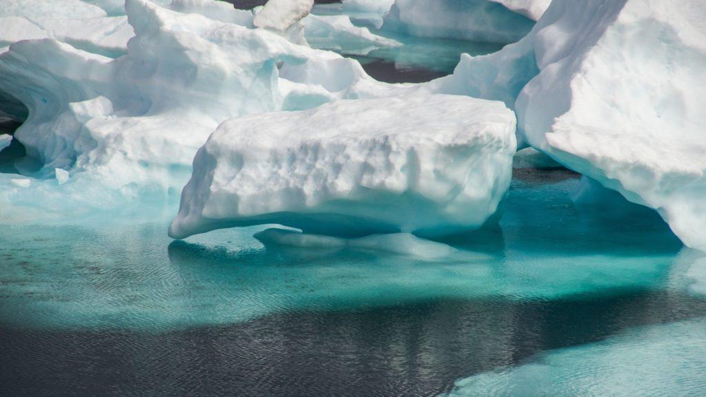 Le tour du Monde sur le cercle polaire arcticque